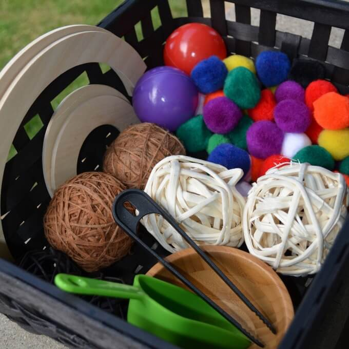 Toddler Sensory Bins | Circles