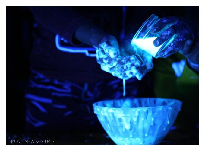 Awesome Glowing Sensory Play