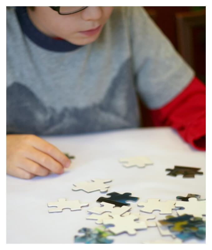 Sorting puzzle pieces