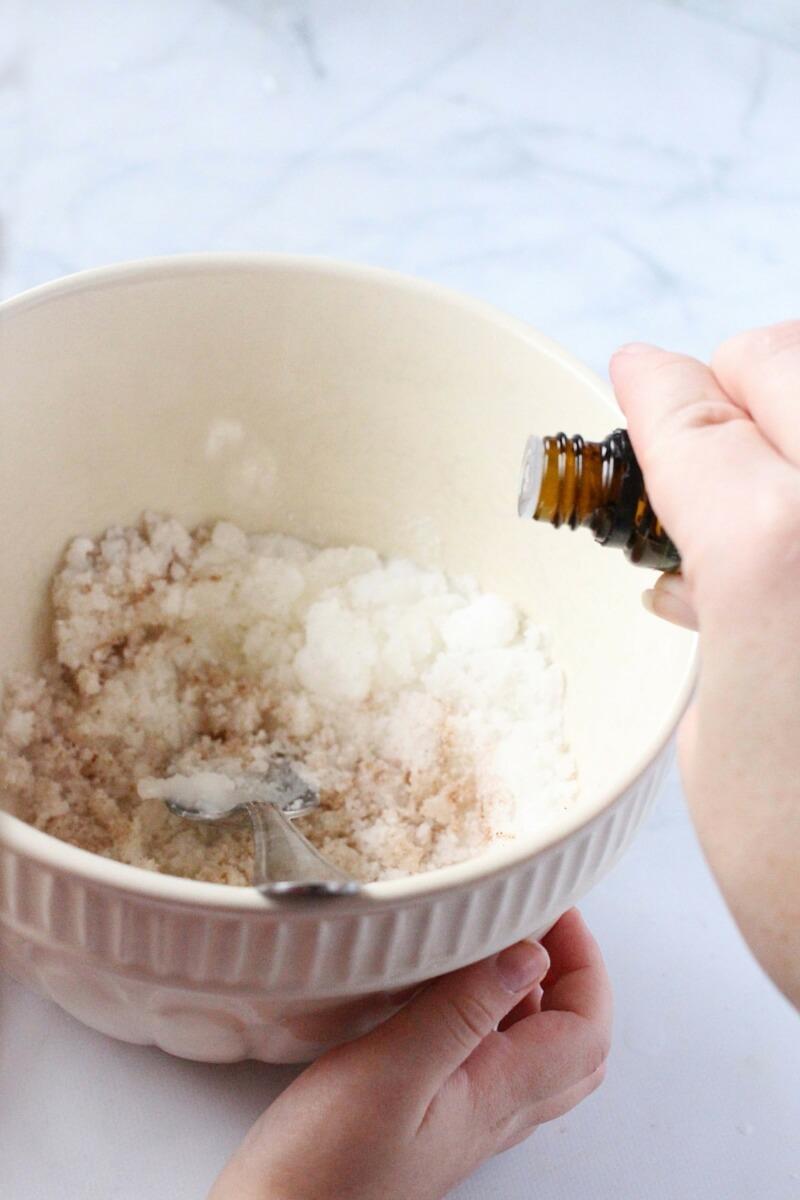 how to make cinnamon sugar scrub (1)