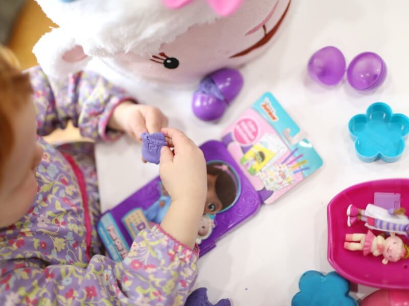 Stamping with Playdough Doc Mcstuffins Playdough Kit