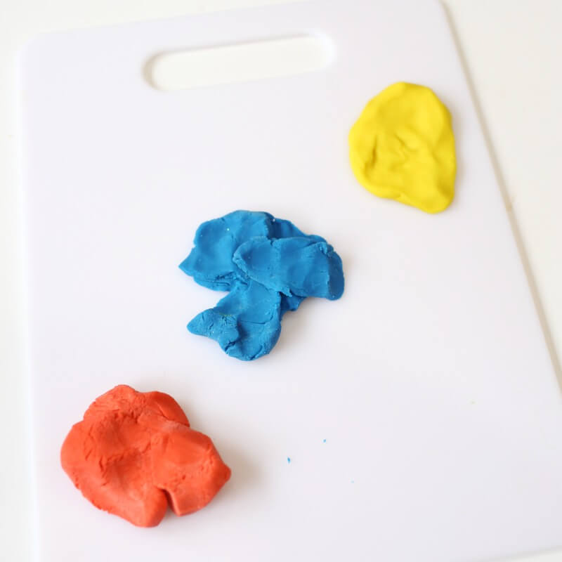 play dough color mixing