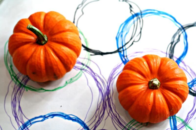 Simple Toddler Fall Art | Pumpkin Tracing