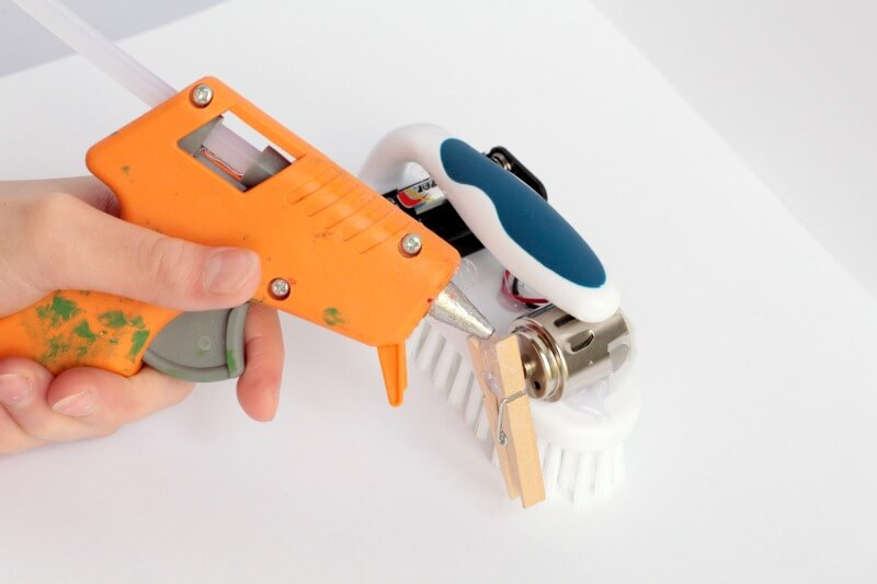 Making robots is a fun way to introduce electrical engineering to kids. Far from overwhelming, this scrub brush robot is easy to make and lots of fun!
