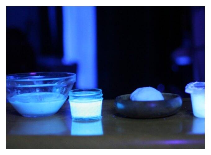 Glowing phosphors Experiment