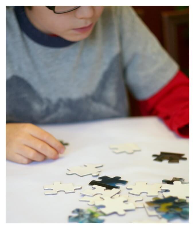 Sorting puzzle pieces
