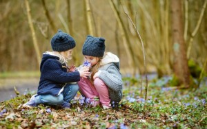 Top 10 Ways to Connect with Kids in Nature