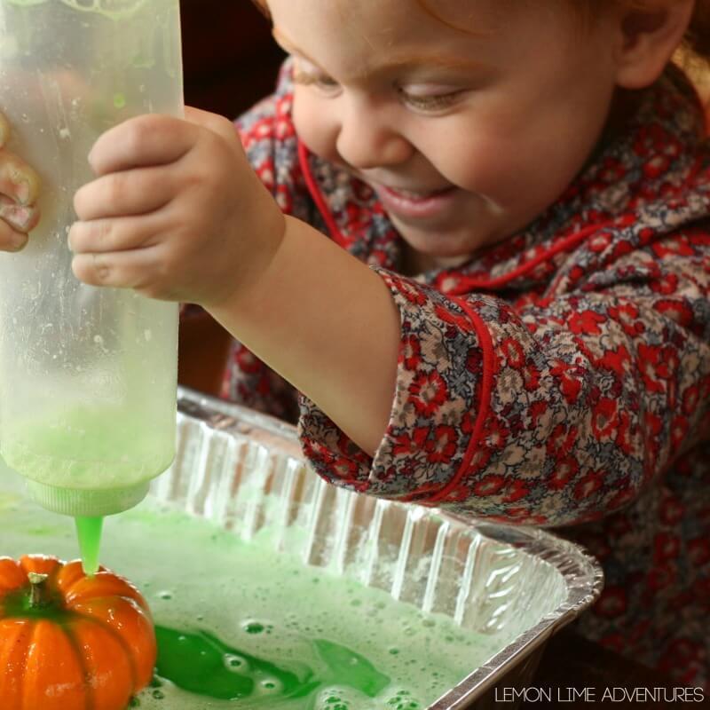 Toddler Pumpkin Science