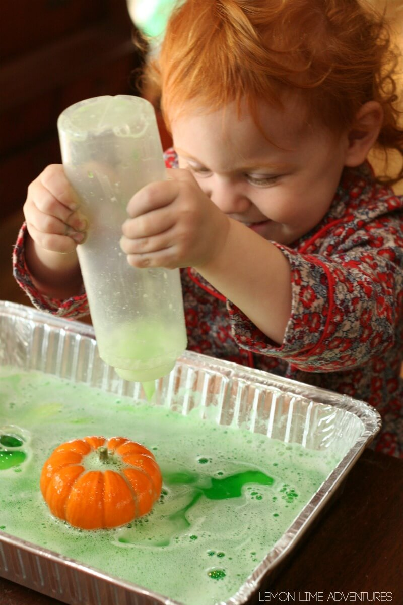 Toddler halloween Science Experiments