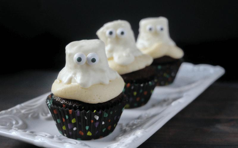 ghastly-ghost-cupcakes
